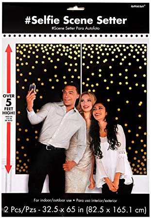 BLACK PHOTO BOOTH BACKDROP WITH GOLD DOTS
