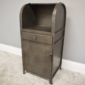 Retro Industrial Metal Side Table (34 x 28 x 73cm)