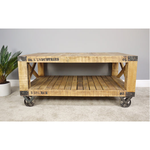 Hoxton Industrial Pallet Coffee Table with Wheels (121 x 77cm x 56cm)