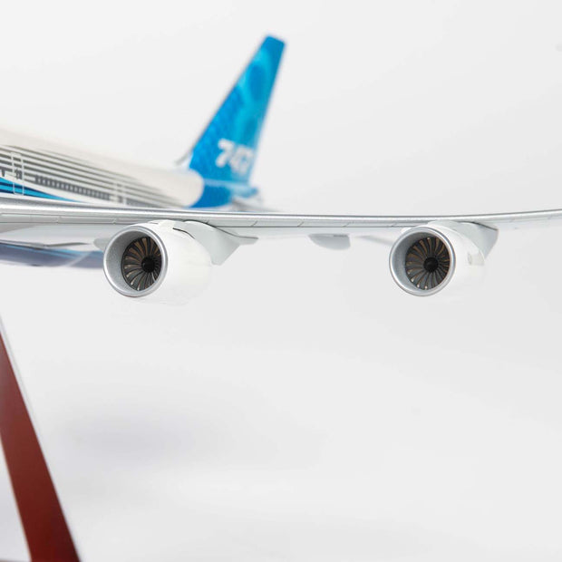 Boeing Unified 747-8i 1:144 Model