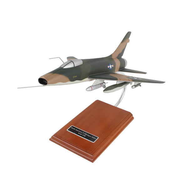 Boeing F-100 Super Sabre Vietnam 1:40 Model
