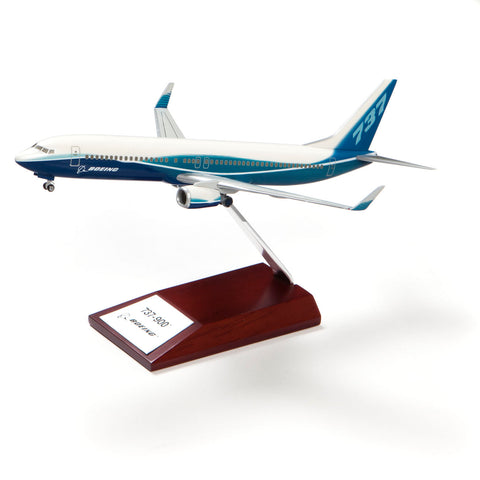737-900 Snap-Together Model with Wood Base