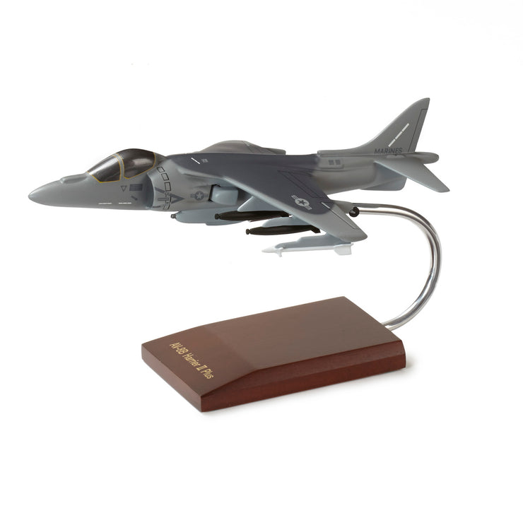 Boeing AV-8B Harrier Plastic 1:48 Model