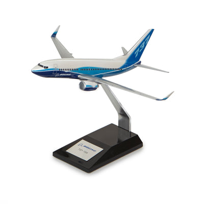 Boeing 737-700 Plastic 1:144 Model