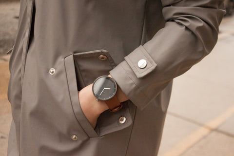 The Minimalist Black on Brown - Analog Watch Co.
