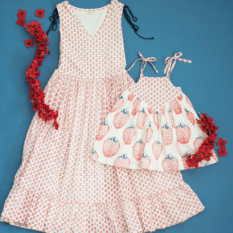 Pink Chicken Monroe Dress 2y antique white stawberry - 19supc322a