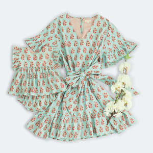 Pink Chicken Halsy Dress XS milky blue vintage floral