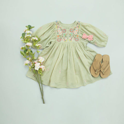 Pink Chicken Ava Bella Dress 2y green tea w/ embroidery