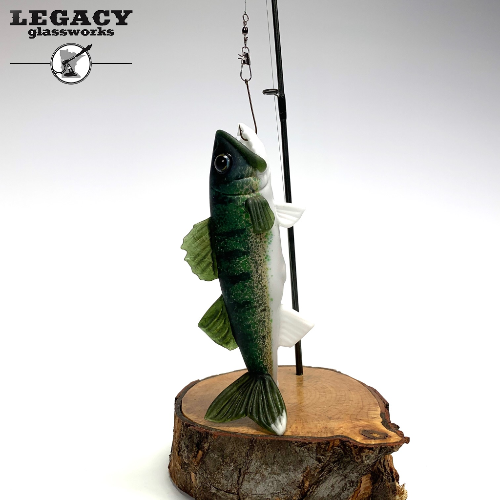 Trapper Studio Walleye Dry Pipe + Display