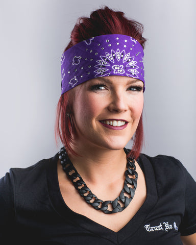 single lesbian women in bandana Lesbians and queers love a good bandana do you know how many bandanas i  have friends at least five at least three of them were gifted to.
