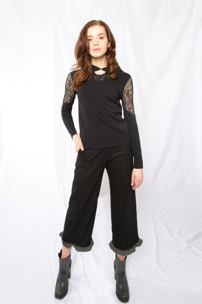 Lace paneled long sleeve top _ Black