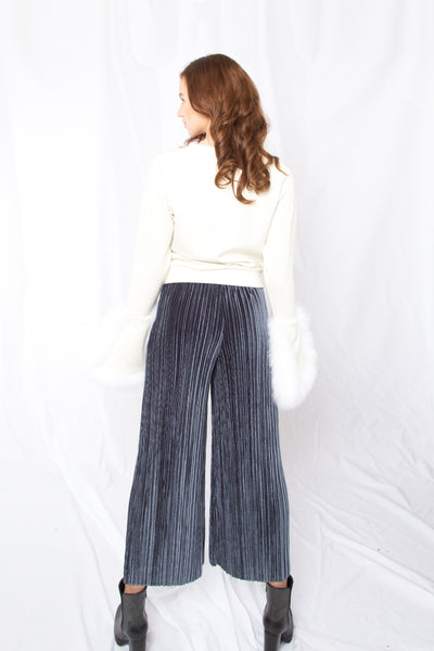Fur Trimmed Wide Cuffs Top _ Ivory (2 colors)