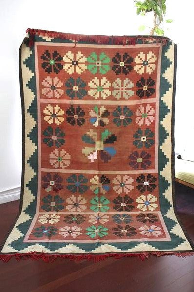 Rug Tunisian Flower Power 6x9 FT