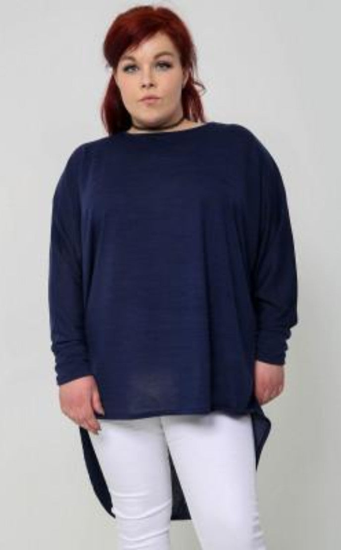 NAVY PLUS SIZE OVERSIZED TOP