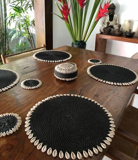 Rattan Coaster with Shell - Black