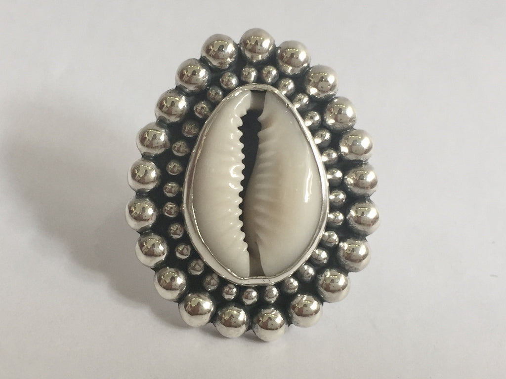 Large cowrie shell ring