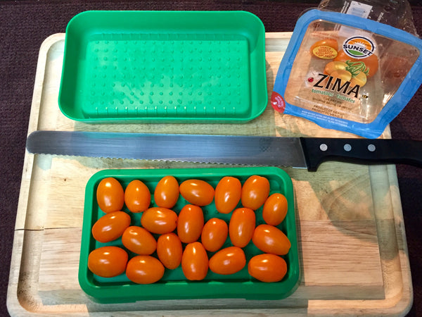 1. Fill lower tray with cherry tomatoes or grapes