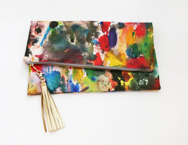 Color Story Giant Clutch