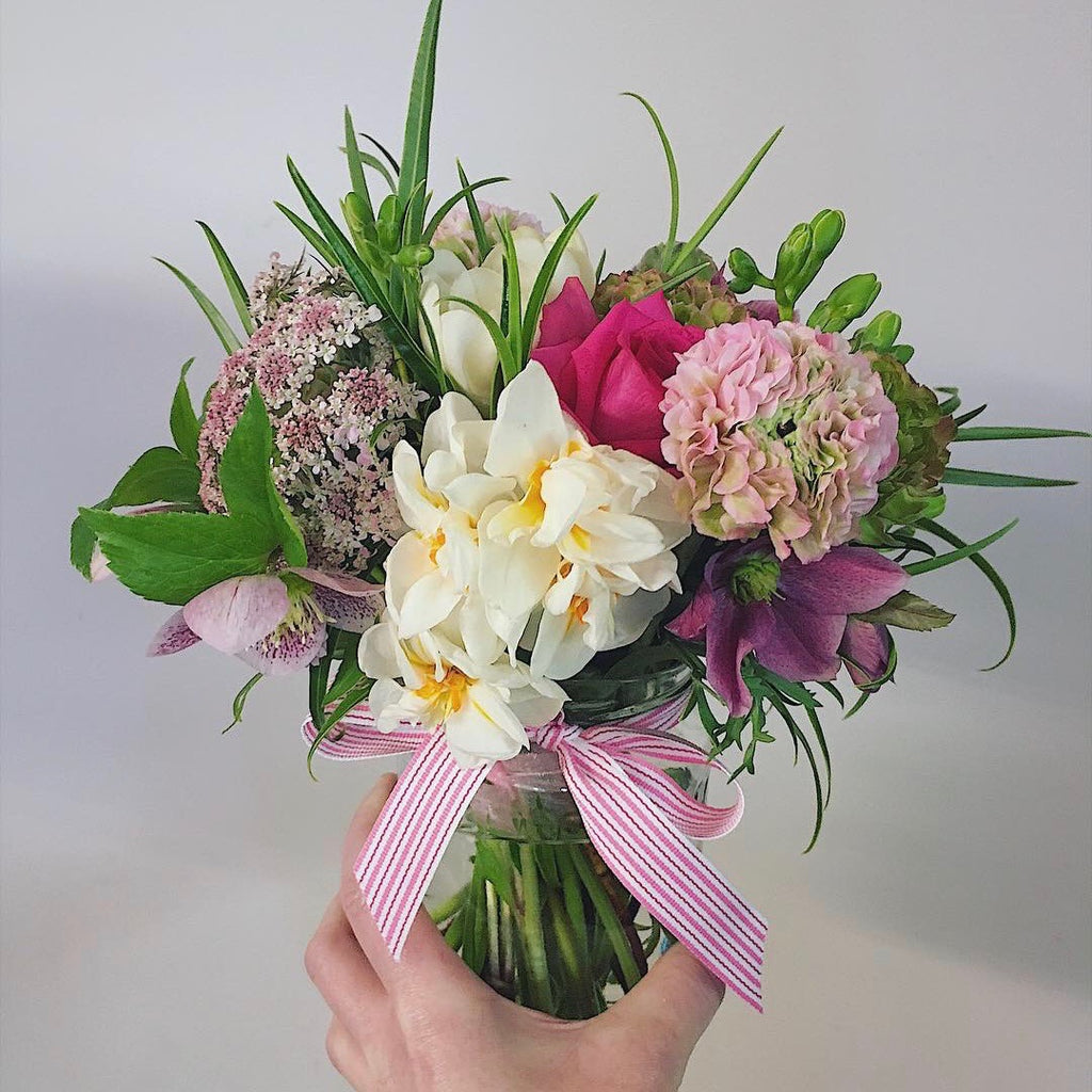 wellington florist vase posy delivered wadestown karori cbd
