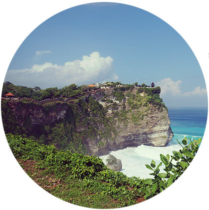 makers travelers uluwatu temple bali must see