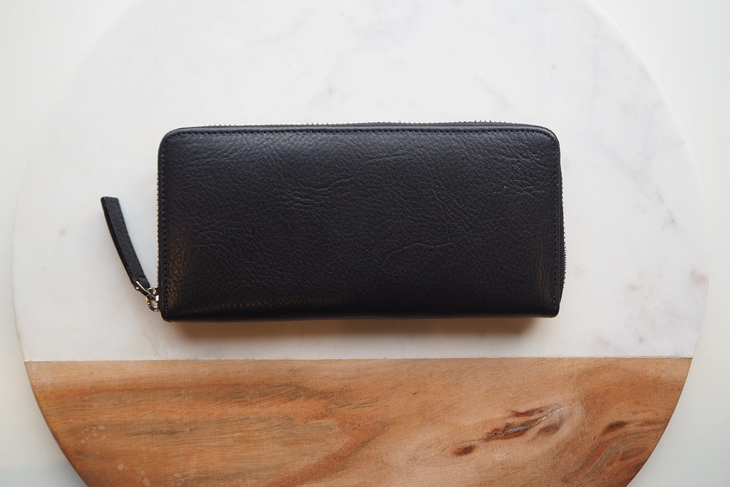 Round Zip Wallet - Black