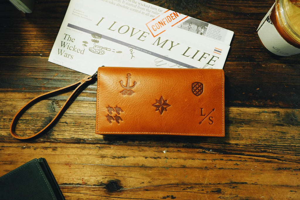 Signature Smartphone Wallet - Tan