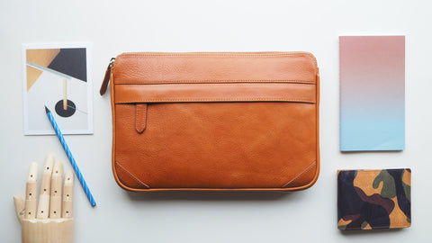 Auden Clutch (Size M) - Caramel Brown