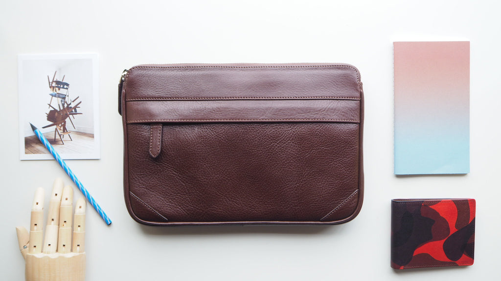 Auden Clutch (Size M) - Dark Brown