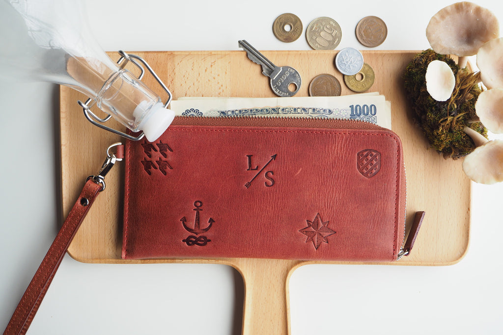 Signature Long Dries Zip Wallet - Red Brown