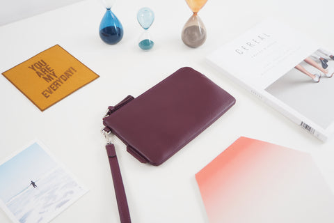 Essential Wristlet - Burgundy