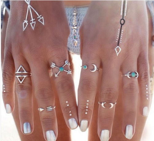 6 Piece Wallflower Ring set - Above the Stars