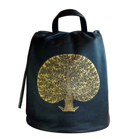 4a0006f409 Madhubani art transformed into hand-painted bags – MeMeraki.com