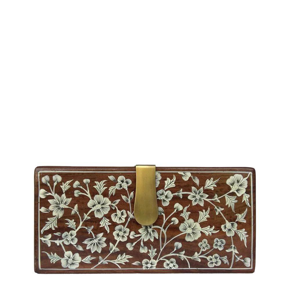 WHITE FLOWERS, WOOD CLUTCH