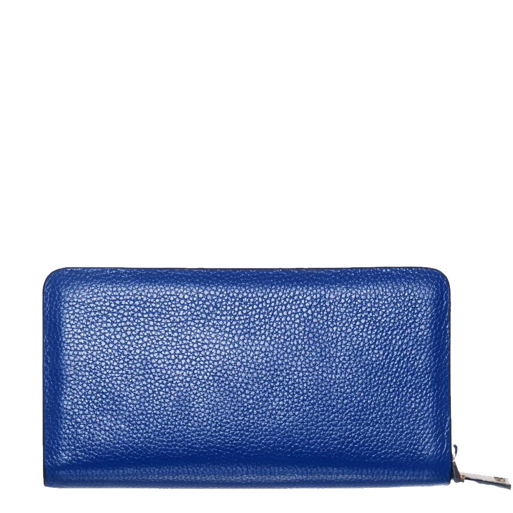The Fish, Blue Wallet