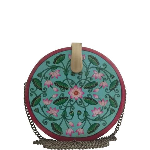 Be like lotus, green round wood clutch