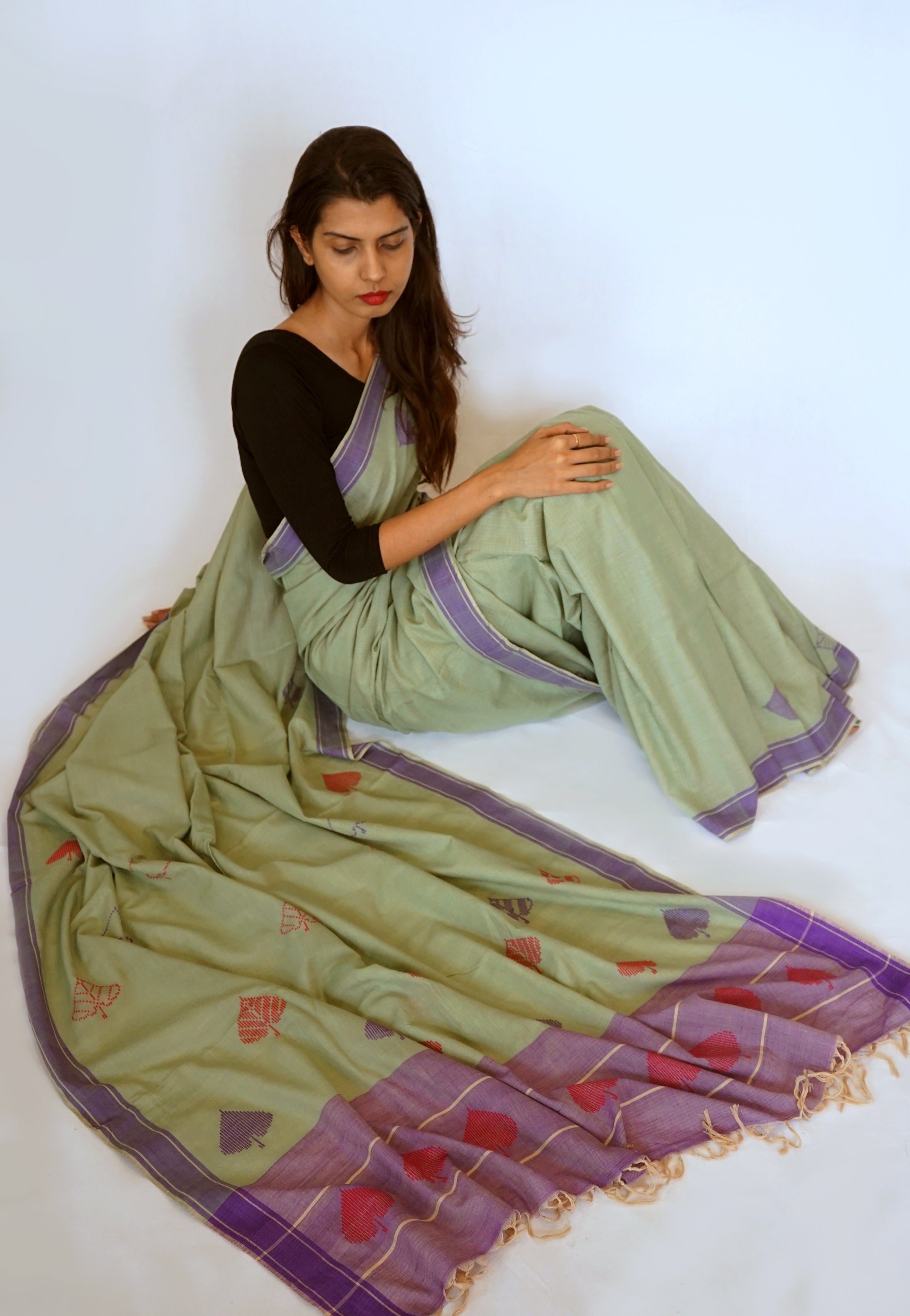 PEEPAL LEAF-   green and purple Handwoven Cotton Saree