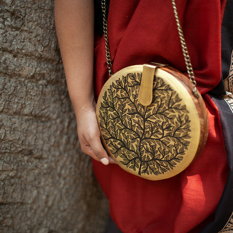The White Birds , Round Wood Clutch
