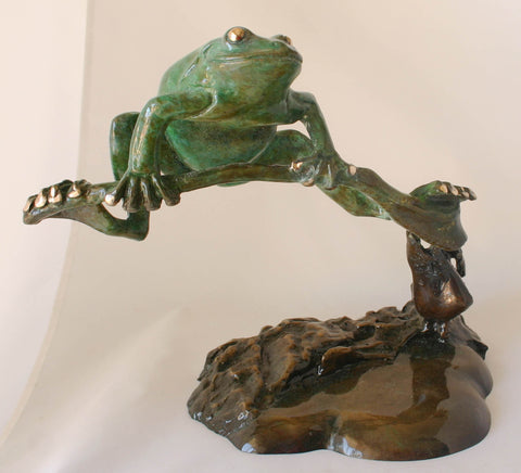 Frog Bronze on Stem