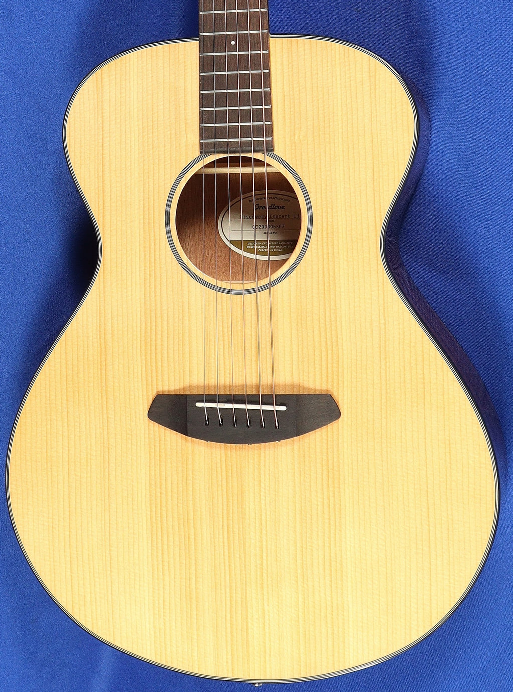 Breedlove Discovery Concert Lefty Natural Acoustic Guitar