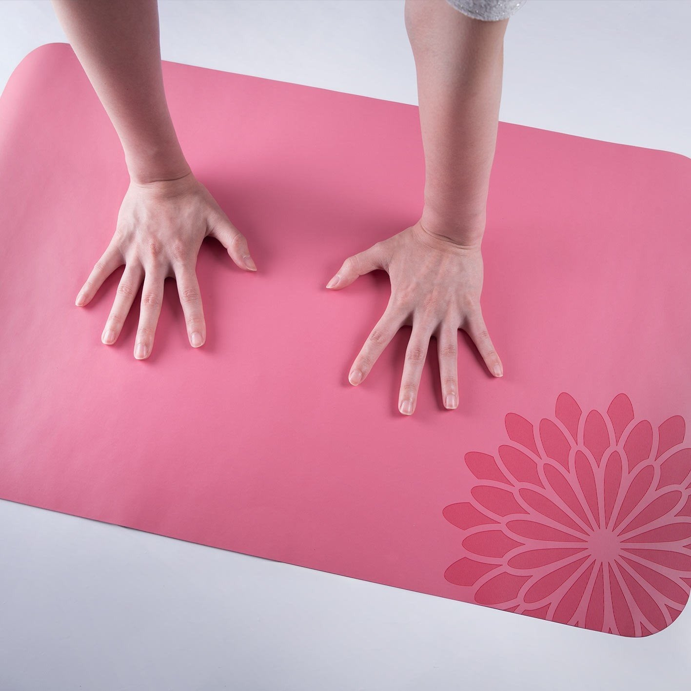 easyoga Breathin' Space Pro Mat - Hand Size - R3 Rosy Red