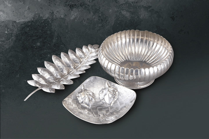 Leaf Dish-Bowl Lines with Base-Dish Chattai with Flower - Barton,Son & Co.