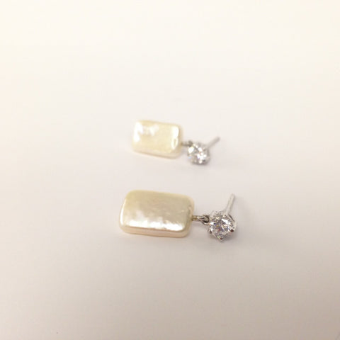 ECZ_BRSQ_WG Earring CZ Baroque Square