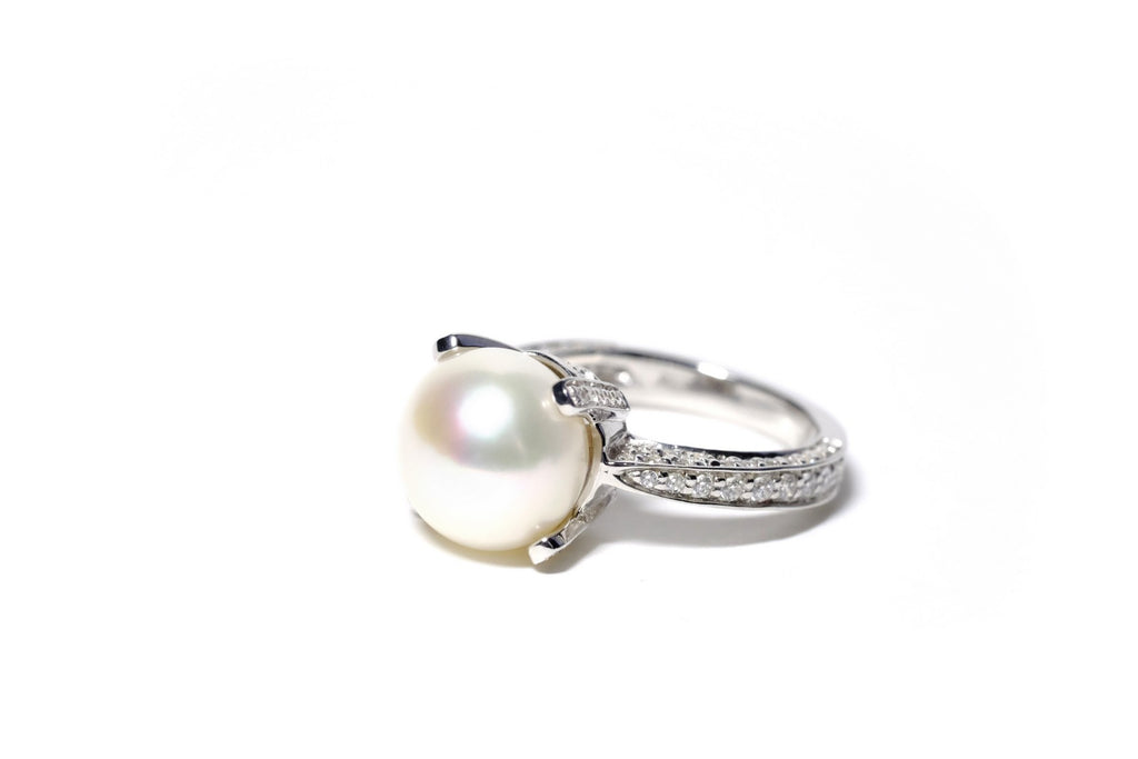Ring CZ Only Pearl The Queen