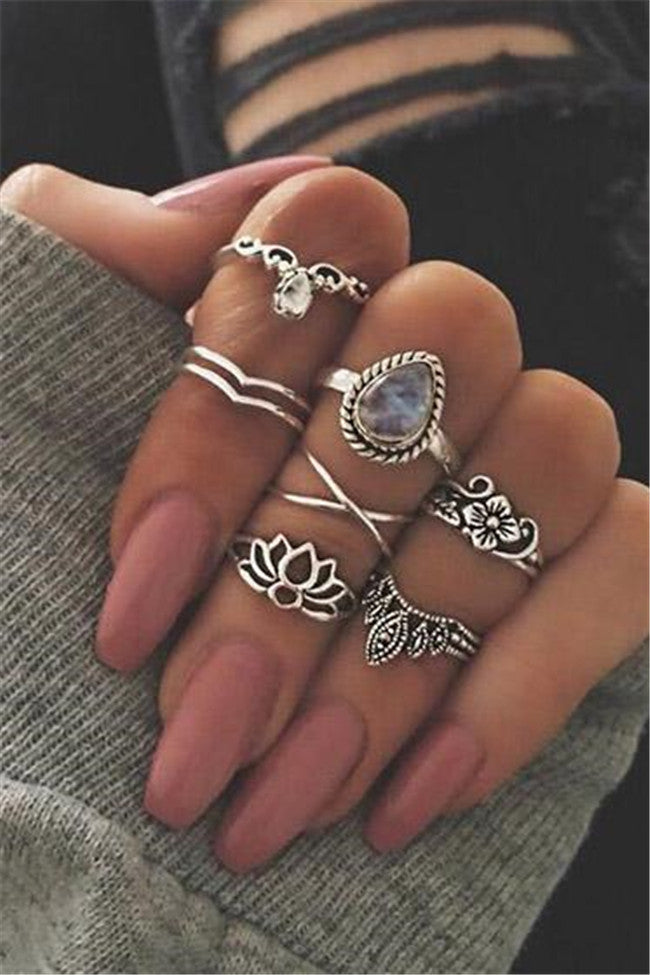 Chicnico Vintage Hollow out Lotus Alloy Rings (Set Of 7)