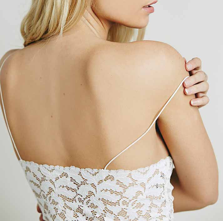 Chicnico White Double V-neck Vest Lace Strap Crop Cami
