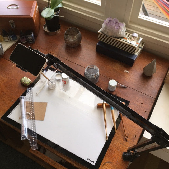 DIY Calligraphy Tripod for Mobiles