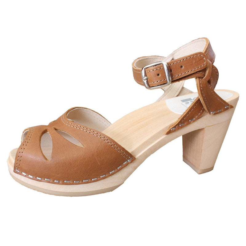 Rio Clogs in Tan