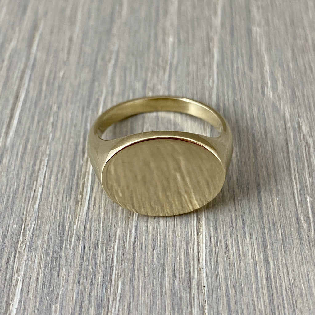 Landscape Oval 12mm x 10mm - 9 Carat Yellow Gold Signet Ring
