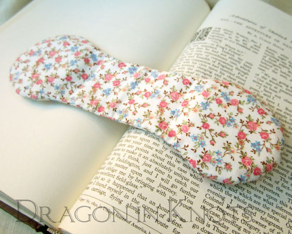 Floral Ivory Page Holder - Vintage Fabric Book Weight -  - Book Weights - Dragon in  Knots - 4