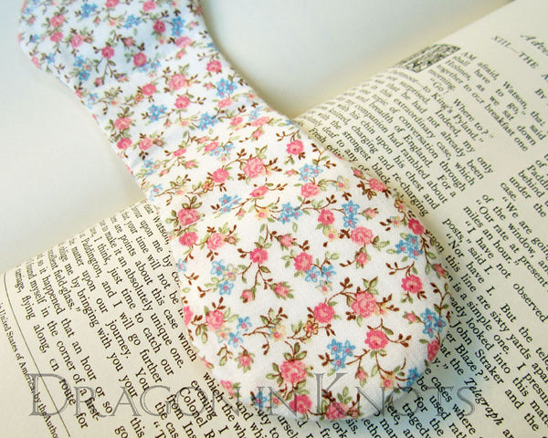 Floral Ivory Page Holder - Vintage Fabric Book Weight -  - Book Weights - Dragon in  Knots - 5
